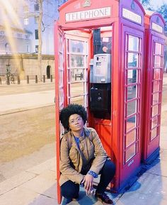 When in #London.....@bcovergirla stuntin' on em. // Travel Well #TravelFly!