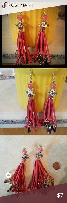 HANDCRAFTED deep coral silver and gold accents Coral and Stars!!!!! With Crystal drops in between an AMAZING SUEDE TASSELS EARART ❣❣❣ 1 OF A KIND DESIGNED EARART ❣ ALWAYS MADE OF HIGH QUALITY BEADS AND MATERIALS AND REAL❣❣❣❣ #HANDCRAFTEDISTHEBOMB❣ #1OFAKINDDESIGNS !!!!! #ONLYUWILLHAVE❣💋❤💋💖 MY OWN Jewelry Earrings