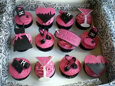 Black and White Wedding Cake and Cupcake Decorating Ideas cup-cake-towers food-and-recipies lovable-food Ballet Cupcakes, Pink Cupcakes, Themed Cupcakes, Baking Cupcakes, Yummy Cupcakes, Wedding Cupcakes, Cupcake Cakes, Decorated Cupcakes, Cupcake Ideas