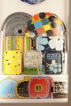 Marimeko: really beautiful, but hard to find. 70s Decor, Marimekko, Drapery Fabric, Diy On A Budget, Home Decor Accessories, Textile Design, Print Patterns, Interior Decorating, Interiors