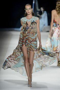 Victor Dzenk Ready To Wear Spring Summer 2015 Rio de Janeiro Moda Fashion, Runway Fashion, High Fashion, Fashion Show, Womens Fashion, Fashion Design, Fashion Trends, Victor Dzenk, Mode Costume