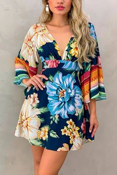 Multicolor Bell Sleeve V Neck Floral Short Dress, Shop for cheap Multicolor Bell Sleeve V Neck Floral Short Dress online? Buy at Modeshe.com on sale! Tokyo Street Fashion, Grunge Style, Soft Grunge, Casual Dresses, Short Dresses, Boho Fashion, Fashion Outfits, Le Happy, Floral Shorts