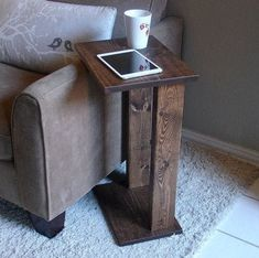 Sofa Chair Arm Rest Tray Table Stand II by KeoDecor on Etsy and add storage pocket on 'outside'. Diy Sofa Table, Sofa Side Table, Sofa Chair, Narrow Side Table, Living Room Side Tables, Narrow Sofa, Table Tray, Woodworking Projects Diy, Diy Wood Projects