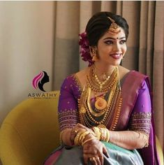 South Indian Wedding Saree, Indian Wedding Bride, Indian Bridal Sarees, Saree Wedding, Half Saree Designs, Kurti Neck Designs, Bridal Blouse Designs, Kerala Hindu Bride, Bridal Hair Buns