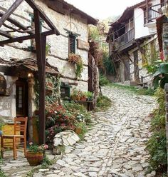 Mountain village north of Nafpaktos, Aitoloakarnania, Greece Wonderful Places, Beautiful Places, Beautiful Pictures, Mount Olympus Greece, Places Around The World, Around The Worlds, Myconos, Mountain Village, Athens Greece