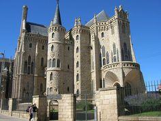 Astorga: Gaudí, cocido maragato y mucho más