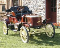 1909 Stanley Steamer Runabout - these car actually ran on steam rather than internal combustion.
