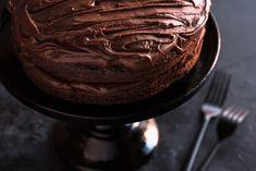 Homemade Doughnut Recipe, Donut Recipes, Cake Recipes, Apple Recipes, Amazing Chocolate Cake Recipe, Best Chocolate Cake, Healthy Chocolate, Cake Mixture, Mary Berry