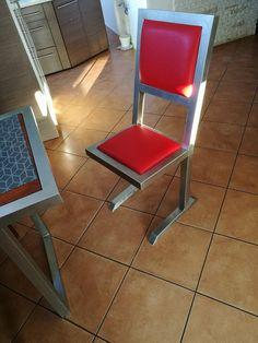 krzesło industrialne .