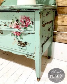 "941 Likes, 46 Comments - Sweet Pickins Milk Paint (@sweetpickins) on Instagram: ""So sweet and chippy! ❤️❤️❤️ (Sweet Pickins Milk Paint in Sweetie Jane and napkins applied with…"""