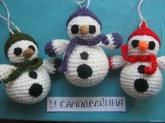Подвеска- снеговик, вязаный крючком