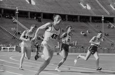 four man running on the field photo – Free Human Image on Unsplash Buy Running Shoes, Running Track, Benefits Of Running Everyday, Buy Shoes Online, Latest Shoes, Men Online, Past Life, Hd Photos, Your Shoes