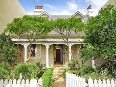 old style sandstone cottage Australian Architecture, Australian Homes, Beautiful Buildings, Beautiful Homes, Front Verandah, Front Porch, Queenslander House, Stone Houses, Stone Cottages