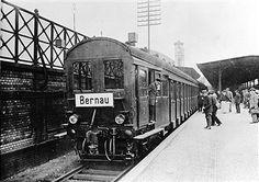 Berlin Stettiner Vorortbahnhof 1924 Zug nch Bernau,der eine Geschwindigkeit von 80 Km/h erreichen soll