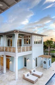 Beach Houses | Pale blue w/ white ... easy coastal