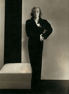 Edward Steichen: Actress Joan Crawford in a dress by Schiaparelli, 1932 Gelatin silver print Courtesy Condé Nast Archive, New York © 1932 Condé Nast Publications