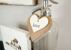 Beautiful take on Modern Farmhouse Valentine Decor and vignettes. Love how neutral it is so it can easily transition into Spring decor. Christmas Trivia, Christmas Crafts, Burlap Bubble Wreath, Paper Dahlia, Scrap Fabric Projects, Diy Snowman, Baby Food Jars, Painted Letters, Jar Gifts