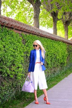 Bellevue Blues: Bucket Bags, Blazers, and Bell Bottom Culottes @mellowstyle // get bag for 15% off- click on pic to find out how!