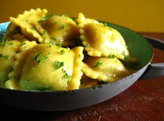 Olive and artichoke ravioli. Ravioli often comes stuffed with some type of cheese, but for those willing to make their own, the cheese can easily be replaced with another filling. Raw Food Recipes, Pasta Recipes, Vegetarian Recipes, Cooking Recipes, Free Recipes, Dinner Recipes, Homemade Pasta Sauce Easy, Homemade Ravioli, Homemade Breads