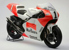 Yamaha YZR500 OWE0 1992