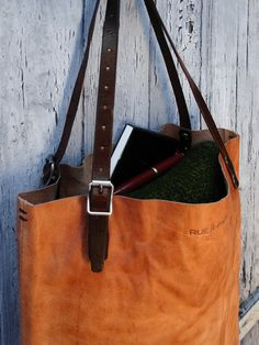 Custom size leather bag / Carry-all tote / Vintage army details / Cognac color
