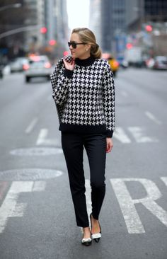 The Classy Cubicle: Houndstooth   Houndstooth