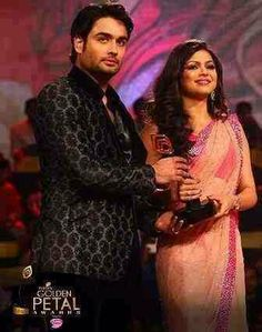 RISHBALA Vivian Dsena, Indian Show, Drashti Dhami, Indian Drama, Yellow Tree, Hindus, Tv Actors, Namaste, Bollywood