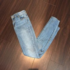 Adorable blue washed jeans. Hardly worn. Adorable blue washed jeans. Hardly worn. PacSun Jeans