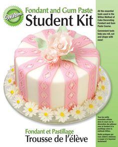 Amazon.com: Wilton 2116-108 Fondant and Gum-Paste Student Kit: Food Sculpting Tools: Home & Kitchen