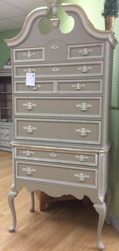 This fabulous tall boy in Portobello and Creamy Linen Farmhouse Paint has an extra touch - Gold Metallique Shimmer! (The Ralph Lauren version in plaid is the single most breath-taking piece of furniture I've seen. This version with glitter makes me want to puke.)