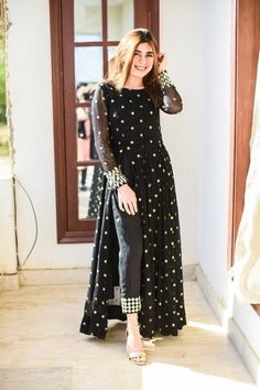 Pakistani Fashion Party Wear, Indian Fashion Dresses, Dress Indian Style, Indian Designer Outfits, Party Wear Indian Dresses, Party Wear Kurtis, Indian Fashion Designers, Indian Outfits, Beautiful Pakistani Dresses