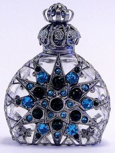 465036 VINTAGE CZECH HAND MADE PERFUME BOTTLE WITH TOPPER
