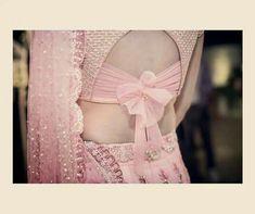 Ideas For Silk Saree Traditional Bridal Blouse Back Neck Blouse Neck Designs Saree Blouse Neck Designs, Stylish Blouse Design, Fancy Blouse Designs, Latest Blouse Designs, Bow Blouse, Shagun Blouse Designs, Saree Blouse Patterns, Sari Design, Blauj Design