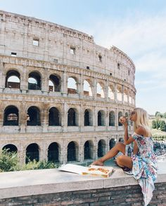 """24.1 k likerklikk, 385 kommentarer – E L L I E ⋆ B U L L E N (@elsas_wholesomelife) på Instagram: """"When in Rome 🇮🇹🍕 the best vegan pizza yet, with a superb view 🏛"""""""