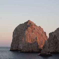 The stones | cute postcard of a sunset  | #paisajes #naturaleza #nature #landscaper #paisaje #vacaciones #travel #turismo #loscabos #sky #stones #sea #endoftheworld #ocean #travels #beautifulplaces #beautifuldestinations