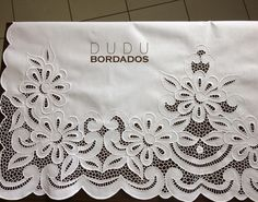 Border Embroidery Designs, Cutwork Embroidery, White Embroidery, Embroidered Lace, Machine Embroidery, Diy And Crafts, Arts And Crafts, Hand Embroidery Videos, Point Lace
