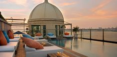 We've the perfect rooftop bars in #India with stunning views of Mumbai and New Delhi. #topPick
