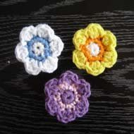 Crochet Pansy is a beginner crochet pattern, quick and easy. I included a lot of pictures of every step to make it even easier.