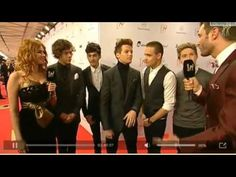 One Direction Bambi Awards Interview. Playing replay <3 and paul in the back!!