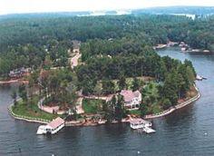 VRBO.com #255170ha - Carolina Hideaway - Lake Norman's Most Exclusive Private Retreat (No Weddings)