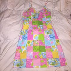 Lilly Pulitzer Dress Very cute! More unique print. Fits very nicely- very flattering. Lilly Pulitzer Dresses