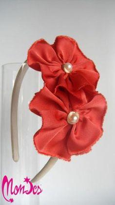 diadema eventos  cola de ratón,raso punto seda,perla artesanal