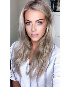 "Chloé Boucher - ""Have you seen my newest YouTube video?""   Work/office/college/school makeup tutorial! Link is in my bio   #makeup #YouTube #Primark"