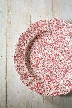 Keuken Accessoires :: #Libelle :: Vintage Pink Floral Ironstone Dinner Plates   Olive Manna