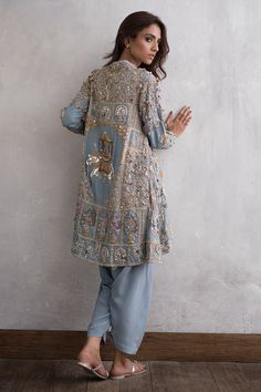 Try this Hand embroidered Zardozi, Resham and Vasli Jacket with Camisole at your. Try this Hand embroidered Zardozi, Resham and Vasli Jacket with Ca. - Try this Hand embroidered Zardozi, Resham and Vasli Jacket with Camisole at your. Pakistani Formal Dresses, Pakistani Dress Design, Pakistani Outfits, Nikkah Dress, Indian Outfits, Pakistani Mehndi Dress, Pakistani Party Wear, Dress Indian Style, Indian Dresses