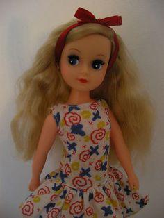 Vintage Fleur Dutch Sindy Sidepart Hair incl Outfit | eBay