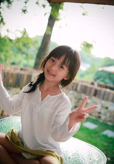 🍰可愛い娘🍰🍇プリティ🍈Pretty🍇 Beautiful Japanese Girl, Beautiful Little Girls, Cute Little Girls, Beautiful Asian Girls, Sweet Girls, Cute Kids, Anime Girl Dress, Miss Girl, Cute Babies Photography