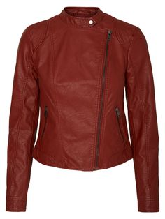 For the ultra cool look: Imitated leather jacket in deep red from VERO MODA.