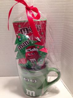 1f6c3518245 M M s Christmas Mug Miss Green Gift Set With Candy New For 2016
