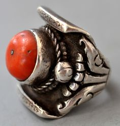 Silver and coral saddle ring Tibetan (private collection Linda Pastorino)